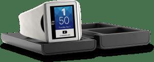 Qualcomm představil konkurenta pro Samsung Galaxy Gear – chytré hodinky  Qualcomm_toq_white_charger-300x121