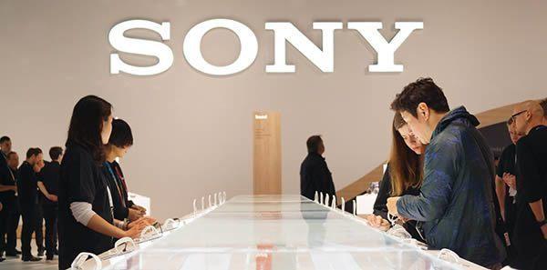 Sony odmítá spekulace o prodeji své mobilní divize