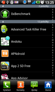 Aplikace lze také zobrazit v režimu podobném telefonnímu seznamu