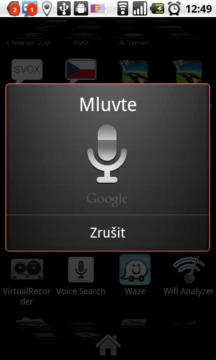S telefonem můžete komunikovat také hlasem