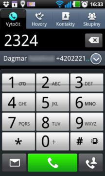 Na číselníku můžete zadat číslo, nebo přes něj vyhledat kontakt