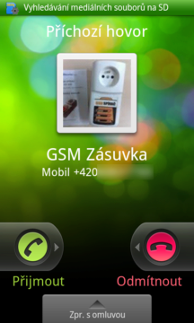 Oznámení příchozího hovoru při zamčeném telefonu