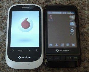 Vodafone 858 vedle svého staršího sourozence