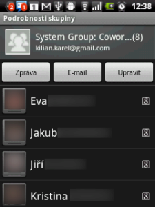 Skupině můžete poslat zprávu nebo e-mail