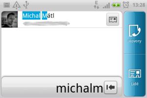 Vyhledávání kontaktů pomocí hardwarové klávesnice