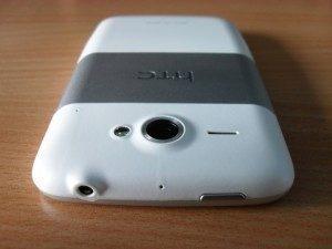 Vrchní hrana telefonu - 3.5mm jack, tlačítko pro vypnutí/zapnutí