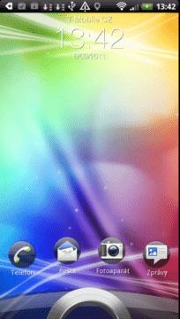 Odemykací obrazovka se od té z holého Androidu viditelně liší