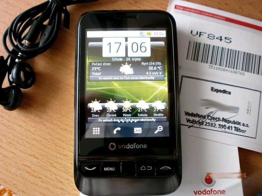 Vodafone 845 - domovská stránka s widgetem In-počasí