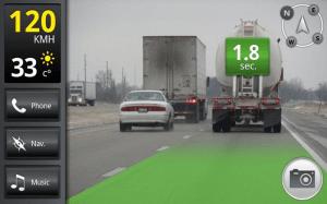 U vozidla v jízdním pruhu před vámi plovoucími číslicemi zobrazena vzdálenost v sekundách