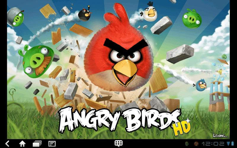 Angry Birds běží na tabletu skutečně hladce.