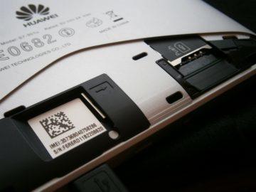 Slot na SIM a microSD