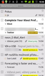 GMail umí například podporu barevných štítků nebo prioritní poštu