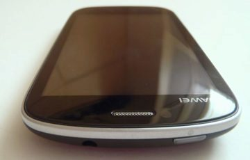 Horní hrana telefonu Huawei Vision