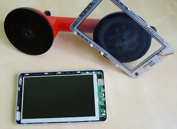 iRobot aPad – oddělení ochranné a dotykové vrstvy