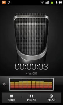 Diktafon umí pozastavit nahrávání