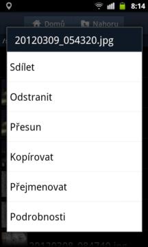 Místo klasického menu jsou všechny funkce dostupné přes dlouhé podržení prstu na zvoleném objektu