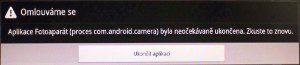 Aplikace Fotoaparát po spuštění pouze zobrazí chybu a následně spadne.