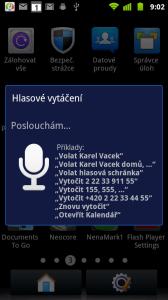 Hlasové vytáčení sice poskytuje návod v češtině...