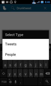 Můžete hledat buď ve tweetech, nebo v uživatelích