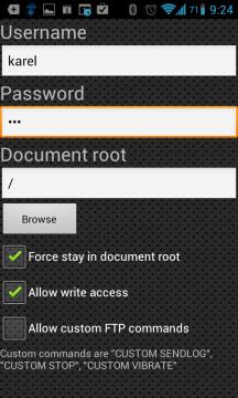 Na záložce Users můžeme definovat a spravovat uživatele, kteří budou mít k serveru přístup