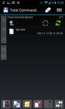 Soubor qb.exe zkopírujte na paměťovou kartu do adresáře qbasic