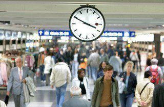 Swiss rail company to seek financial compensation from Apple on clock icon