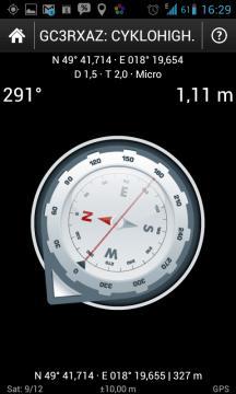 Kompas ukazuje vzdálenost a směr ke keši