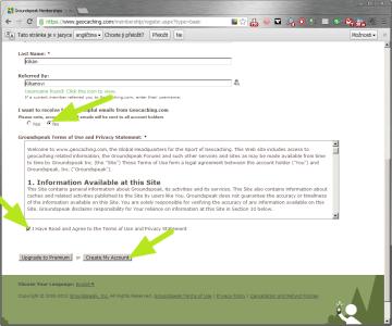 Souhlas s licenčními podmínkami a založení účtu na Geocaching.com.