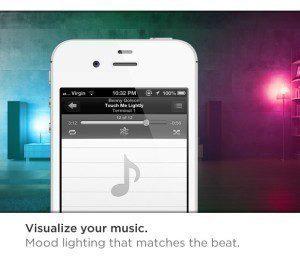Hudební projekcí s barevnými efekty uděláte dojem na domácím večírku.
