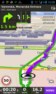 Navigace v denním režimu - všimněte si asistenta jízdy v pruzích