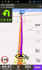 Navigace hlásí otočku, i když chce pokračovat rovně - hraniční přechod Röszke