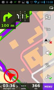 Červená šipka - navigace nemá dostatečný signál GPS/GLONASS
