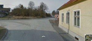 Odbočku doprava zde navigace nehlásí - až druhou křižovatku doleva