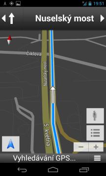 Navigace je k dispozici zdarma, ke své činnosti ale vyžaduje Internet