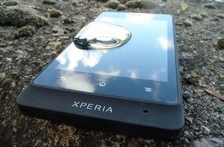 sony-xperia-go-review-water