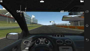 Real Racing 3: hraní bylo naprosto plynulé