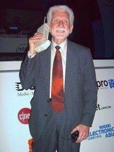 Martin Cooper se svým vynálezem