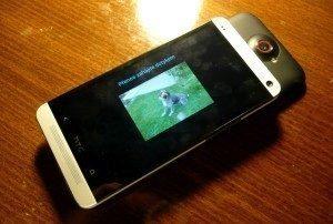NFC reaguje jen při vzájemném posunutí přístrojů - může za to nejspíše kovová konstrukce