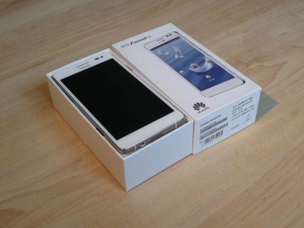 Krabička je tradičně malá. A to máme jeden z největších přístrojů