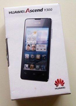 Huawei přišel v krabičce ze tvrdého papíru