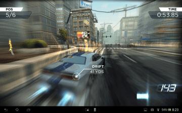 Need for Speed: Most Wanted nedělalo Xperii žádné problémy.