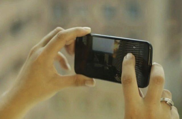 Moto-X-Camera-650×435