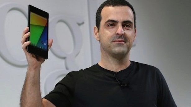 Hugo-Barra-Vice-President-Android-Product-Management-at-Google-holds-up-a-new-Asus-Nexus-7-tablet-as-he-speaks-during-a-special-event-at-Dogpatch-Studios-on-July-24-2013-in-San-Francisco-California.-AFP