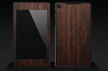 Nexus 7 II s mahagonovým polepem