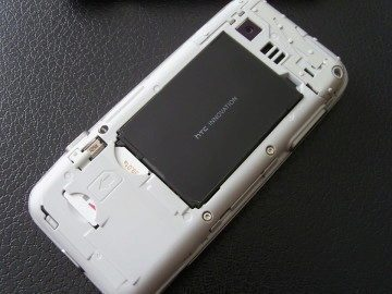 T-Mobile G1 po sejmutí krytu