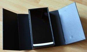 Menší krabička s netradičním otvíráním