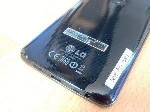LG G2: zadní strana