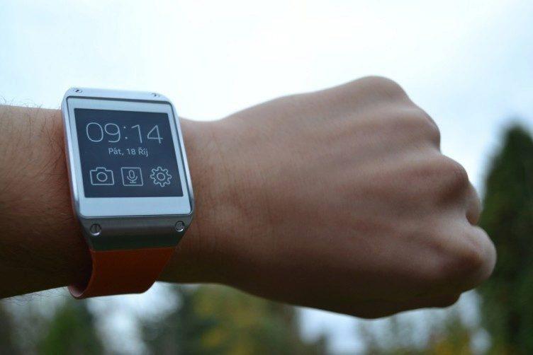Zpracování je u hodinek od Samsungu výborné a přístroj působí jako luxusní zboží