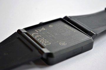 Sony SmartWatch 2 konstrukcni vada 2