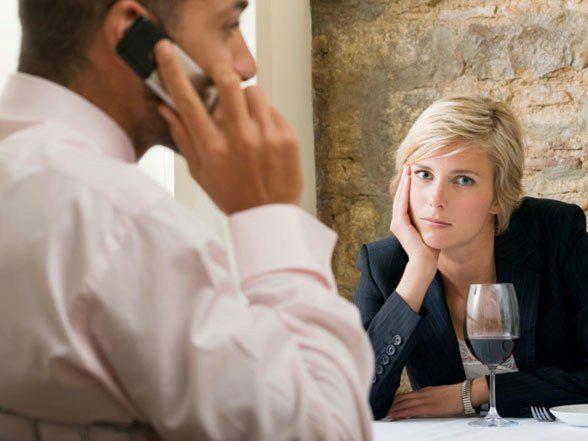 cell-phone-restaurant